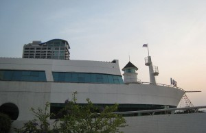 A-One-The-Royal-Cruise-Hotel-Pattaya_Exterior