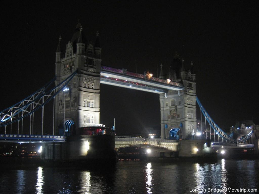 London-Bridge-Night-View