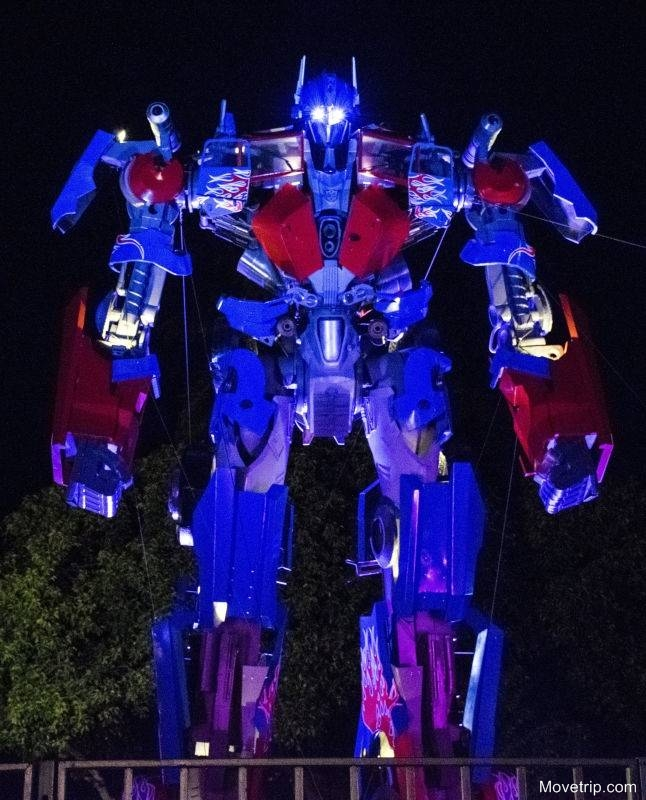 Transformer-Optimus-Prime-in-Penang-George-Town-1