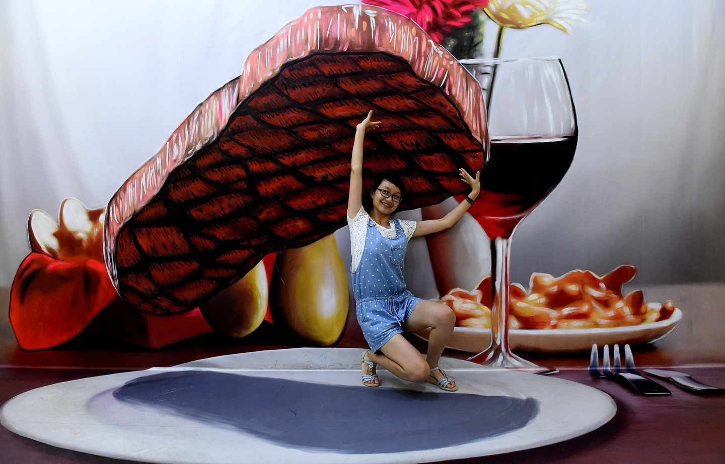 Zhengzhou-Art-Museum-Red-Wine-Steak