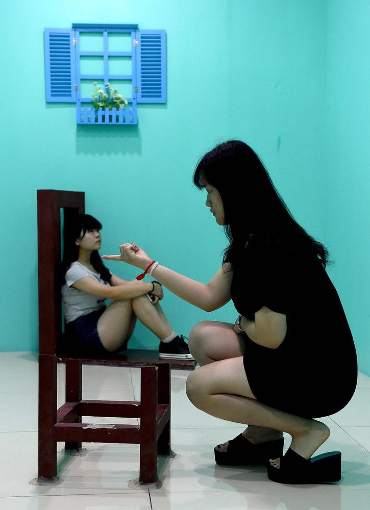 Zhengzhou-Art-Museum-dwarf