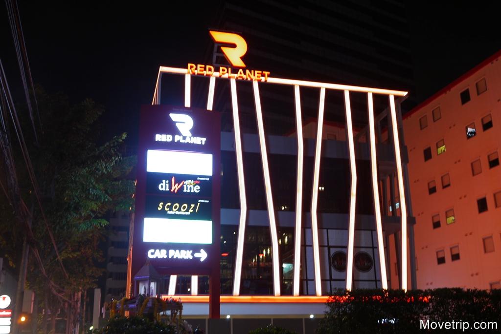 red-planet-hotel-surawong-bangkok-77