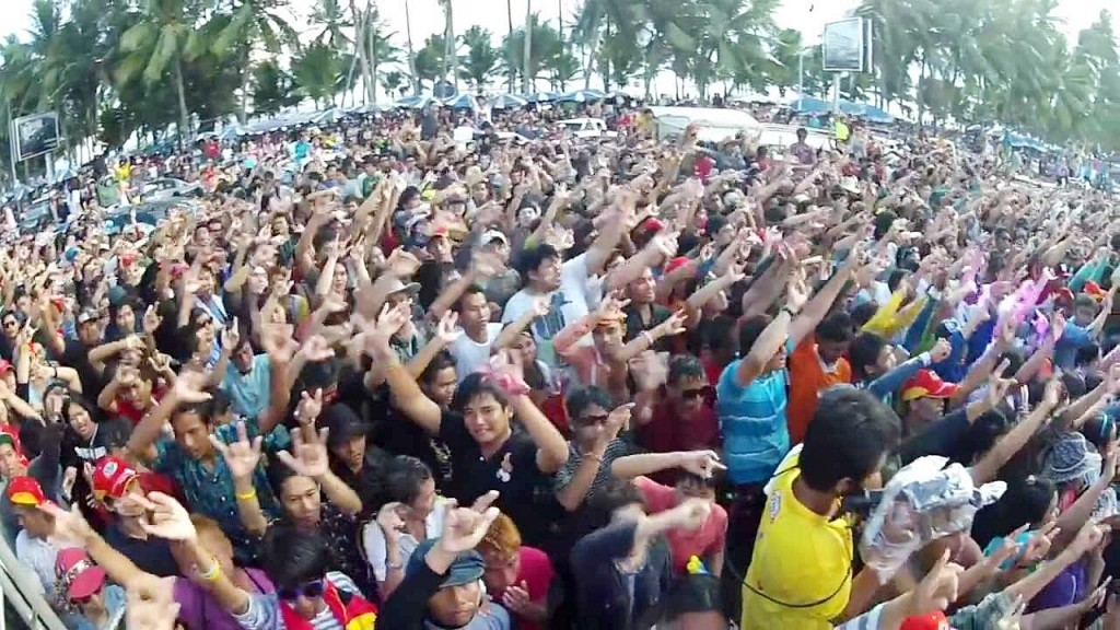 thailand-songkran-festival-2016-bangsaen-chonburi